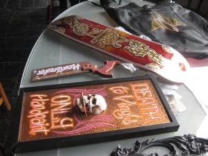 skateboard y cuadros